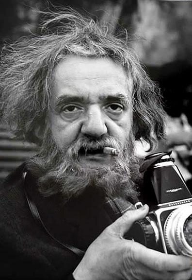 Weegee (Arthur H. Fellig, 1899 – 1968), fotógrafo ucraniano