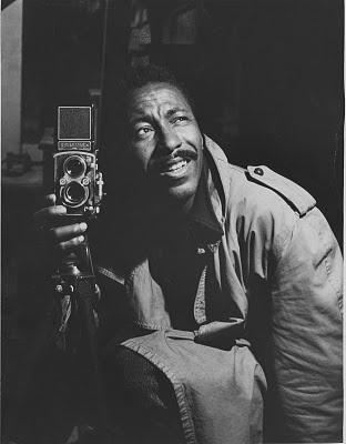 Gordon Parks (1912-2006), fotógrafo, músico, escritor y director de cine americano