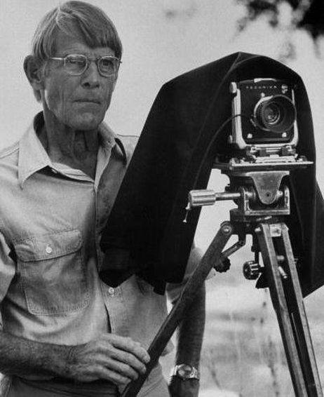 Eliot Porter (1901-1990), fotógrafo estadounidense que en la década de los años 30 de pasado siglo realizó su trabajo con una Linhof de 9x12