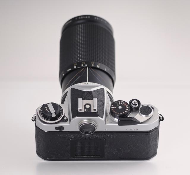 Nikon FE posterior