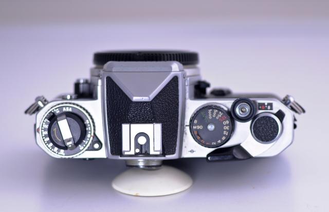 Nikon FE Vista superior