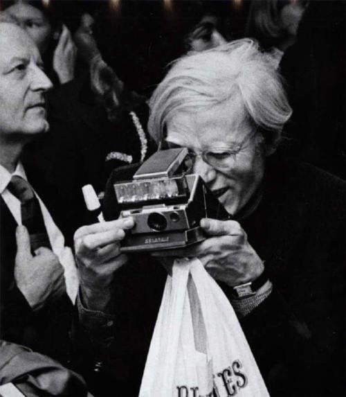 Andy Warhol con SX-70